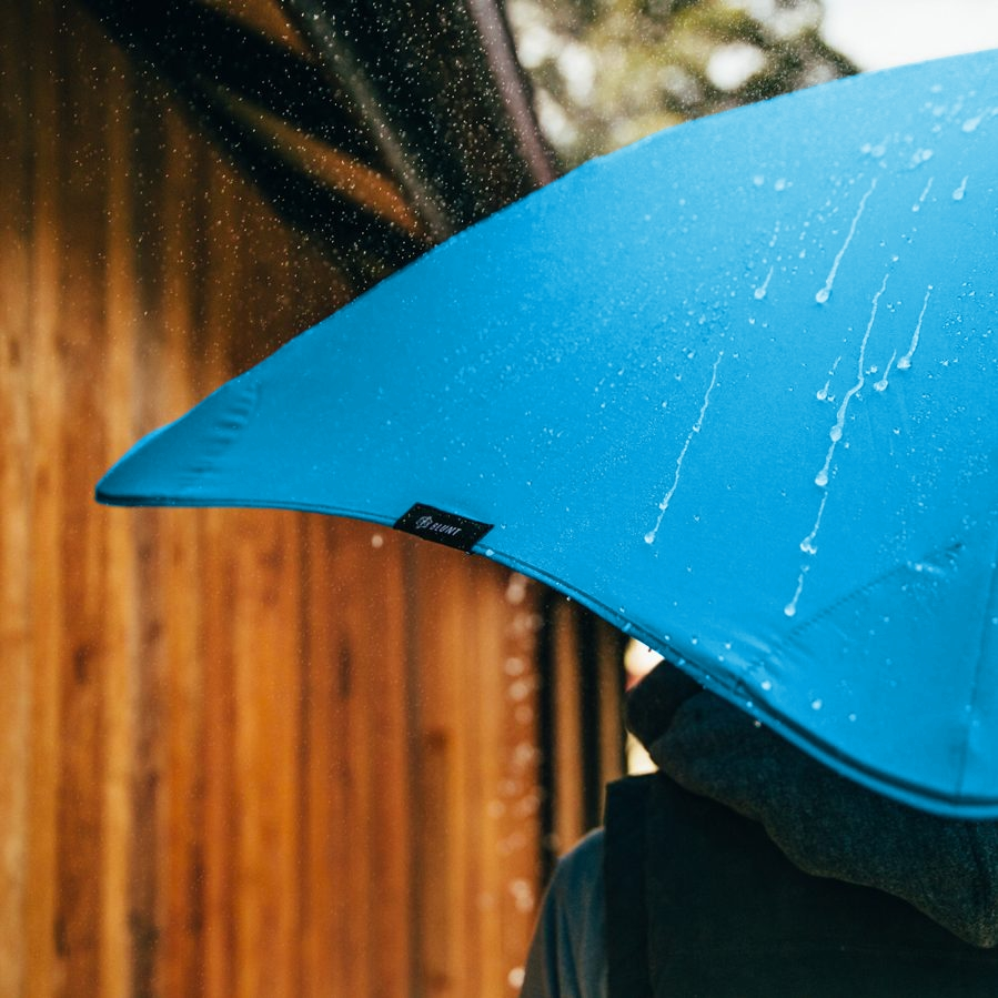 Product shot of the executive umbrella from the 3 in Blue